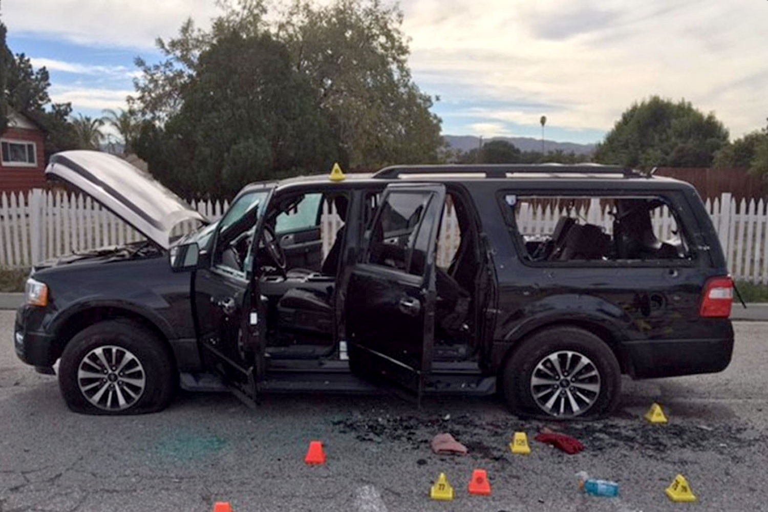 San_Bernardino_shooting_suspect_vehicle.jpg